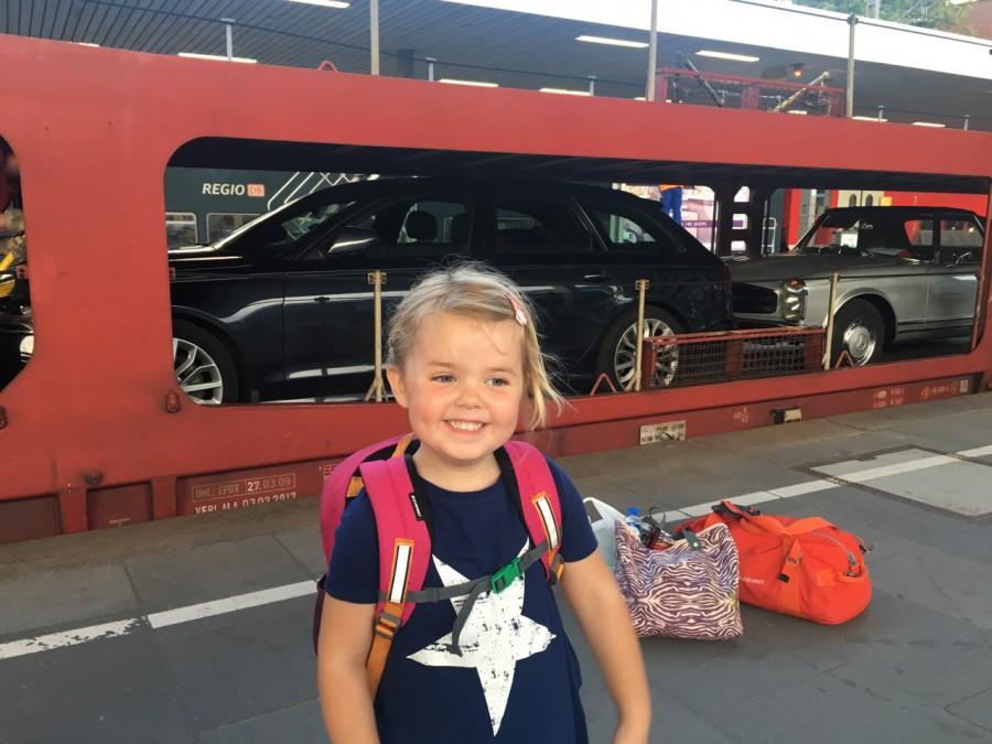 Meja är glad att bilen är lastad!