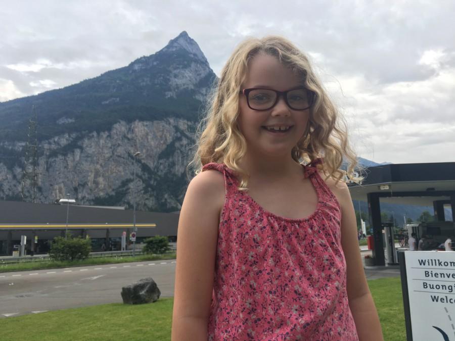 Alma gillar rastplatsen i Schweiz.